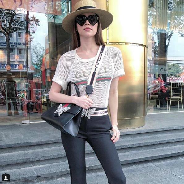 Phải công nhận, Hà Hồ lên đồ street style chuẩn không kém sao ngoại như Selena, Park Shin Hye... - Ảnh 1.