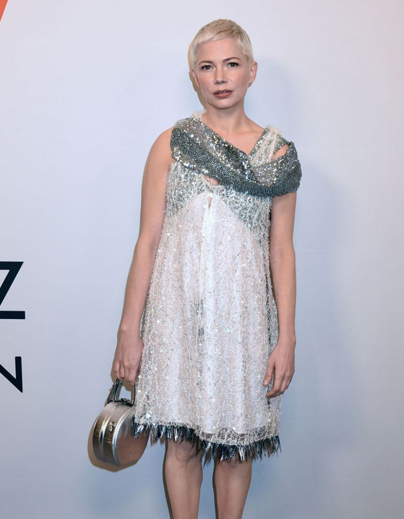 Đâu chỉ Selena Gomez, cả loạt tín đồ thời trang thế giới cũng đang mê đắm mẫu túi đắt đỏ này - Ảnh 16.