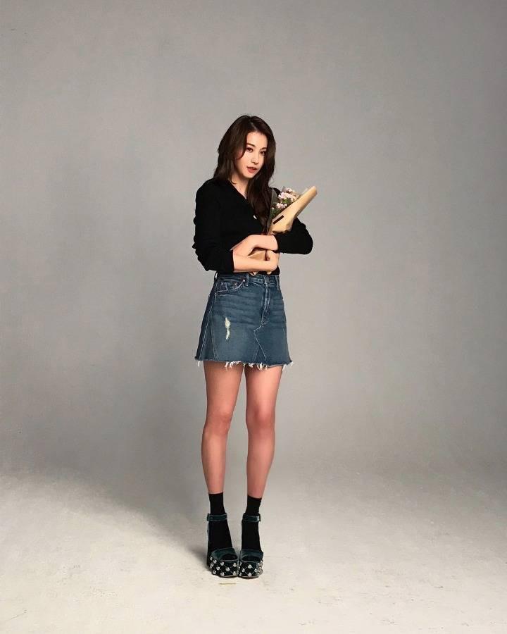 Ác nữ Cheese in the Trap bản điện ảnh gây choáng với đôi chân quá đẹp không cần photoshop - Ảnh 4.