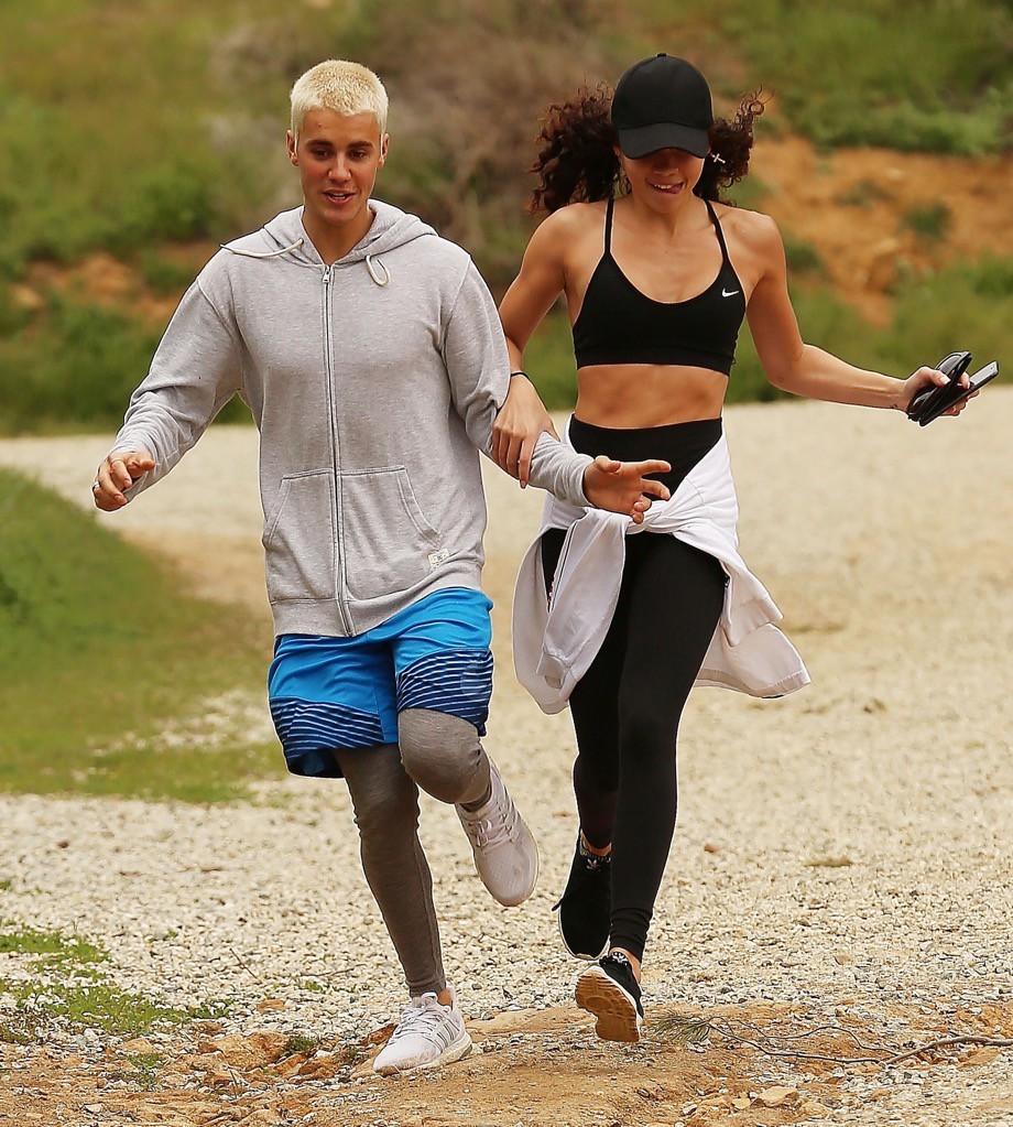 Hành trình lao dốc nhan sắc của Justin Bieber: Hoàng tử Baby năm xưa giờ đây mặt mũi xám xịt, mụn nổi chi chít - Ảnh 14.