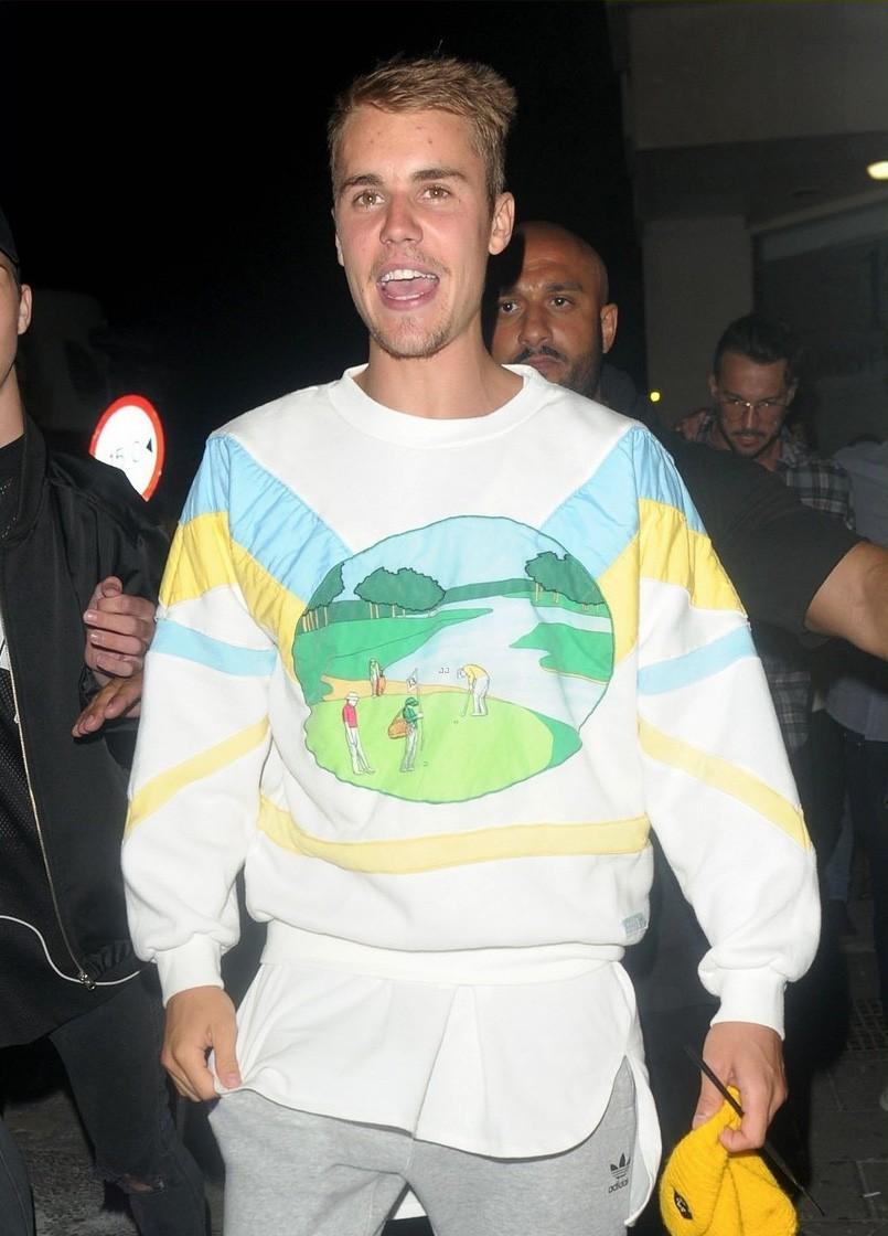 Hành trình lao dốc nhan sắc của Justin Bieber: Hoàng tử Baby năm xưa giờ đây mặt mũi xám xịt, mụn nổi chi chít - Ảnh 15.