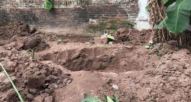 Kẻ hiếp dâm phụ nữ và sát hại 2 cháu bé chôn xác trong vườn lĩnh án tử - Ảnh 1.