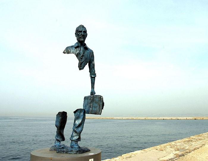 16 công trình điêu khắc ảo diệu khiến bạn tưởng lực hấp dẫn không còn tồn tại - Ảnh 11.