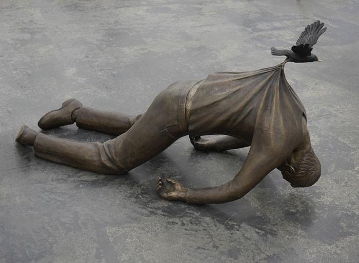 16 công trình điêu khắc ảo diệu khiến bạn tưởng lực hấp dẫn không còn tồn tại - Ảnh 9.