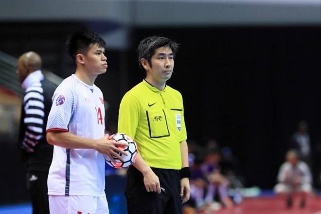 Bóng đá Việt Nam lại thất bại trước Uzbekistan - Ảnh 3.