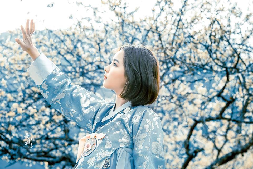 Mùa hoa mận năm ấy - Bộ ảnh khiến ai xem xong cũng nghĩ mãi về Mộc Châu - Ảnh 2.