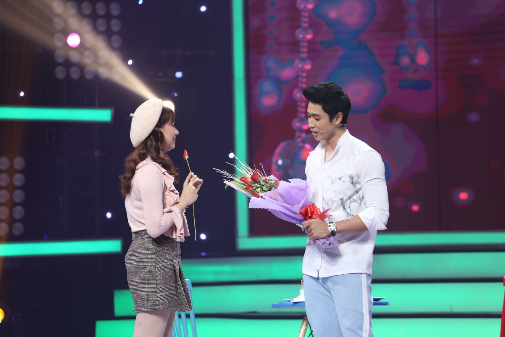Vì yêu mà đến: Huy Cung khiến cô gái đẹp như Chi Pu rơi nước mắt - Ảnh 9.