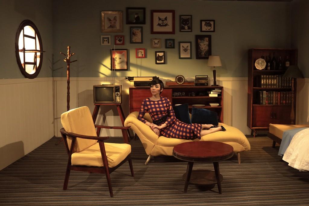 Tóc Tiên hóa thân thành quý cô thập niên 60 trong MV dành tặng riêng cho hội F.A - Ảnh 6.