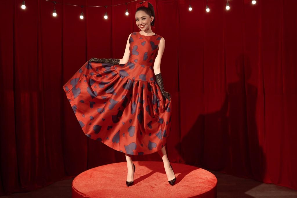 Tóc Tiên hóa thân thành quý cô thập niên 60 trong MV dành tặng riêng cho hội F.A - Ảnh 2.