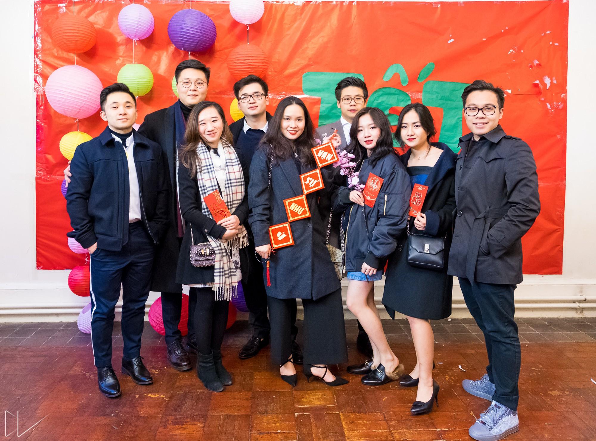 Trai xinh, gái đẹp nô nức tham gia chương trình Tết của du học sinh Việt tại Anh - Ảnh 7.
