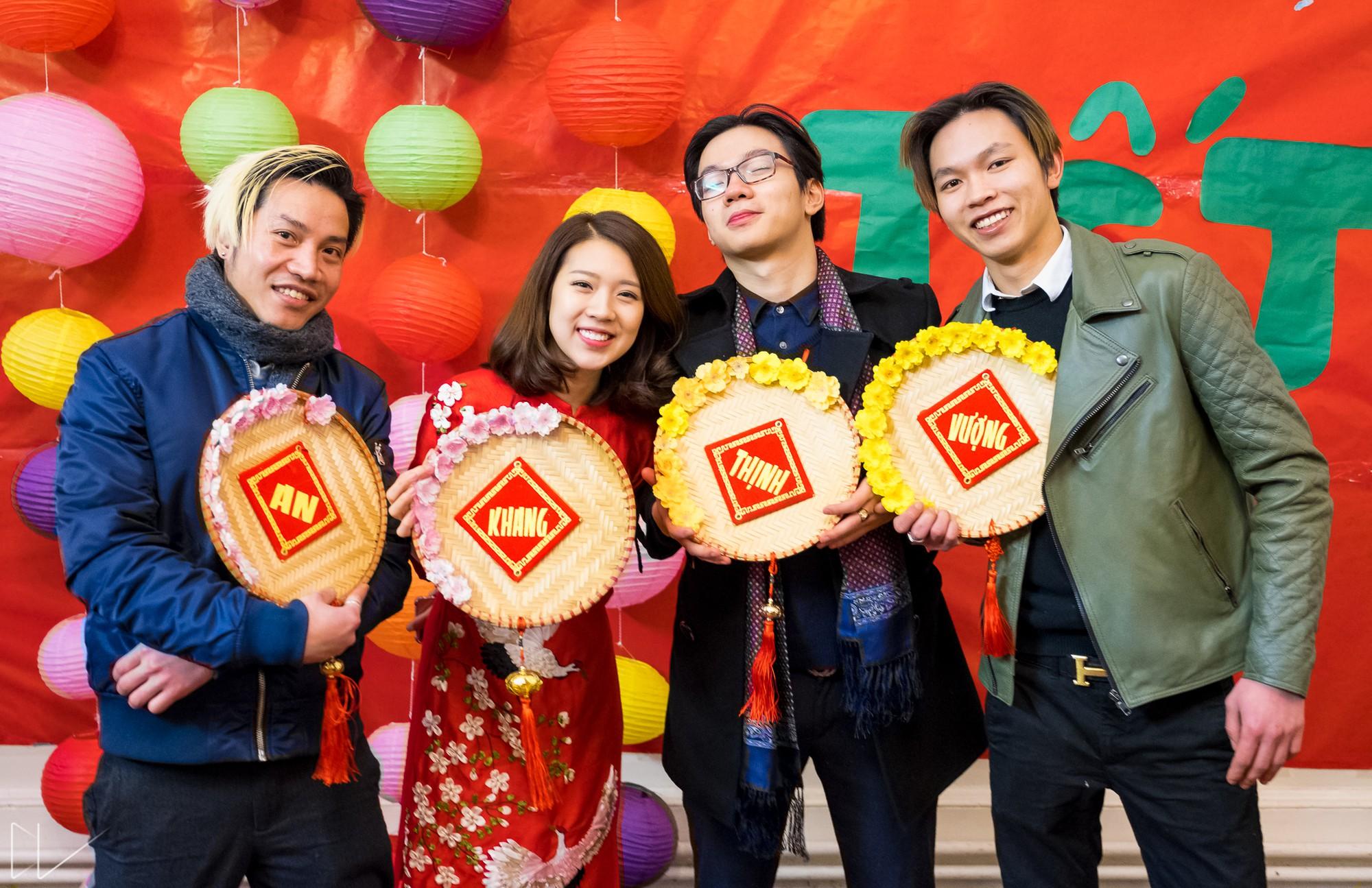 Trai xinh, gái đẹp nô nức tham gia chương trình Tết của du học sinh Việt tại Anh - Ảnh 12.