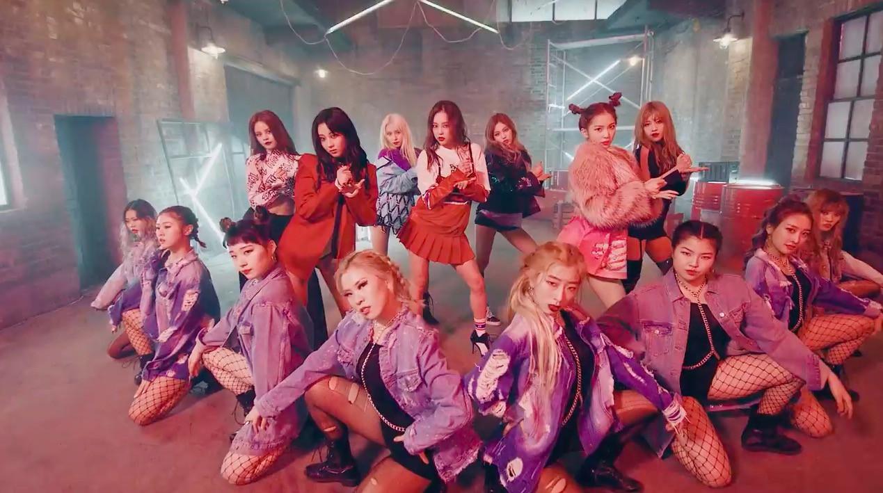 Top 15 ca khúc có vũ đạo bùng nổ nhất Kpop 2017 - Ảnh 27.