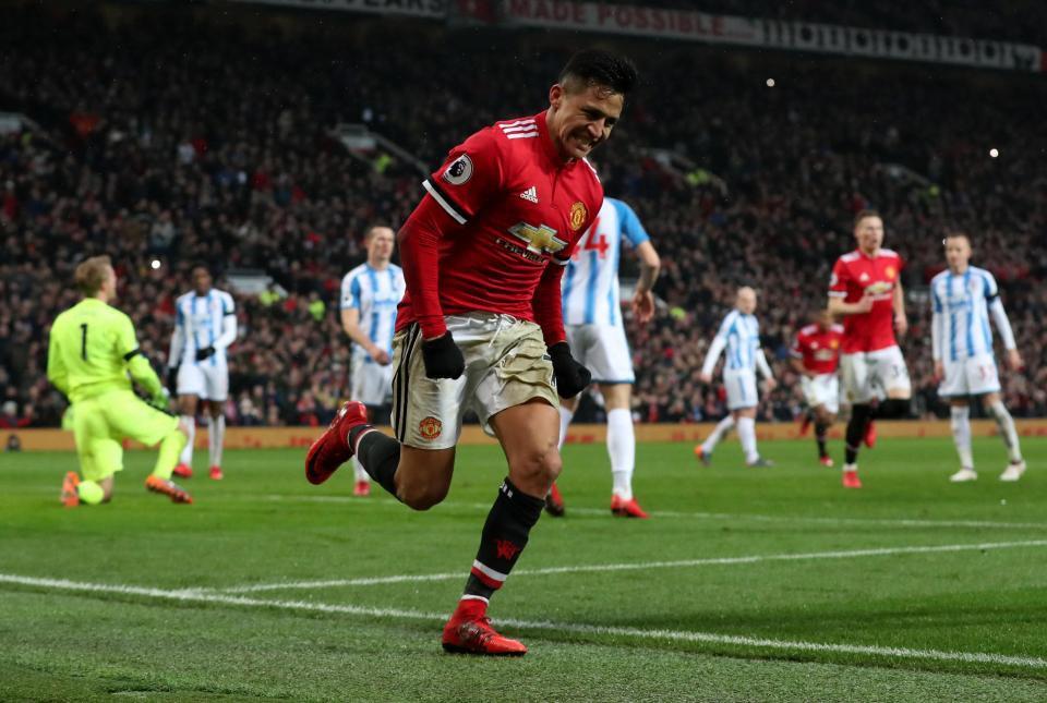 Vừa đến Old Trafford, Sanchez đã mang về món hời lớn cho Man Utd - Ảnh 1.