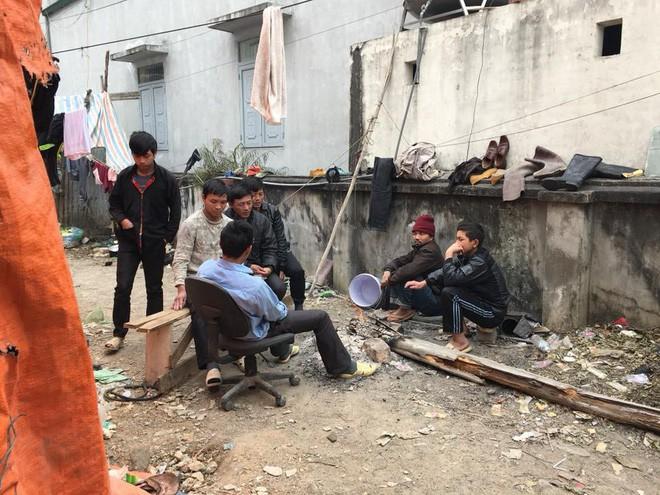 Chủ thầu đột ngột biến mất, 40 công nhân lao đao không có tiền về quê ăn Tết - Ảnh 3.
