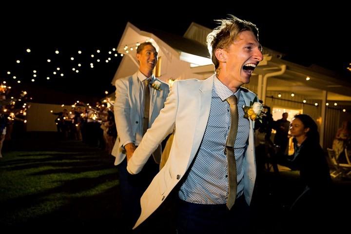 Hạnh phúc vỡ òa trong các đám cưới đồng tính ở Australia - Ảnh 7.
