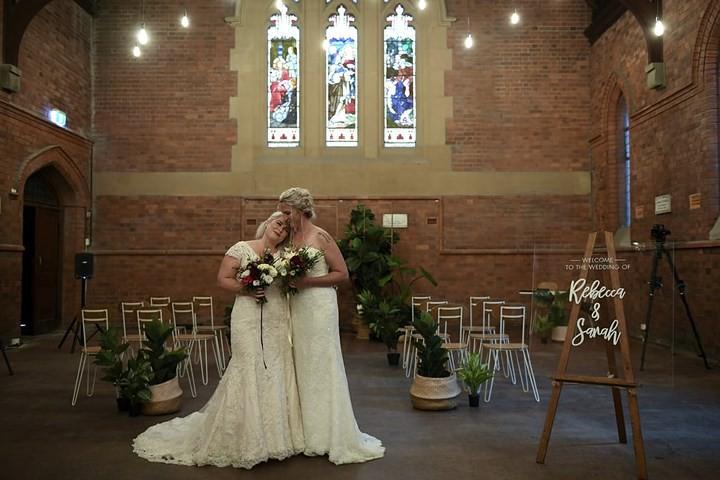Hạnh phúc vỡ òa trong các đám cưới đồng tính ở Australia - Ảnh 8.