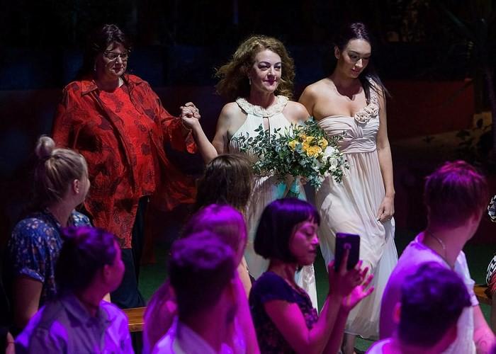 Hạnh phúc vỡ òa trong các đám cưới đồng tính ở Australia - Ảnh 10.