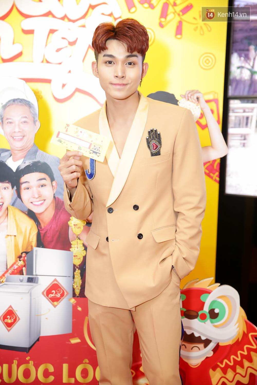 Đông Nhi, Isaac, Rocker cùng dàn sao Việt nô nức trẩy hội, ủng hộ phim Tết của Ngô Thanh Vân - Ảnh 3.