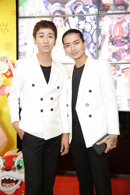 Đông Nhi, Isaac, Rocker cùng dàn sao Việt nô nức trẩy hội, ủng hộ phim Tết của Ngô Thanh Vân - Ảnh 4.