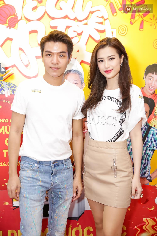 Đông Nhi, Isaac, Rocker cùng dàn sao Việt nô nức trẩy hội, ủng hộ phim Tết của Ngô Thanh Vân - Ảnh 1.