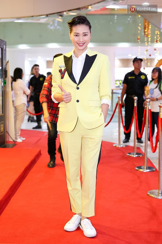 Đông Nhi, Isaac, Rocker cùng dàn sao Việt nô nức trẩy hội, ủng hộ phim Tết của Ngô Thanh Vân - Ảnh 7.