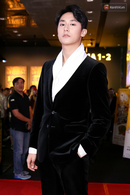 Đông Nhi, Isaac, Rocker cùng dàn sao Việt nô nức trẩy hội, ủng hộ phim Tết của Ngô Thanh Vân - Ảnh 2.