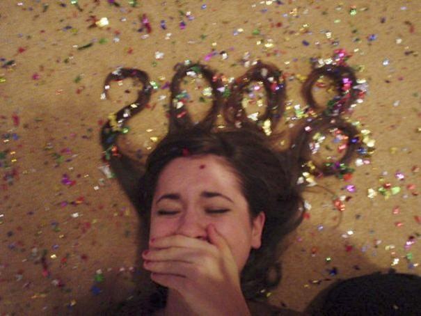 Chụp ảnh cực dị đón năm mới, cô gái này được cả trăm nghìn người chú ý trên Instagram - Ảnh 1.