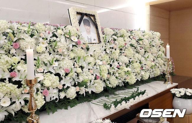 Xót xa hình ảnh tươi sáng của em trai Ha Ji Won trong di ảnh tại tang lễ hôm nay - Ảnh 4.