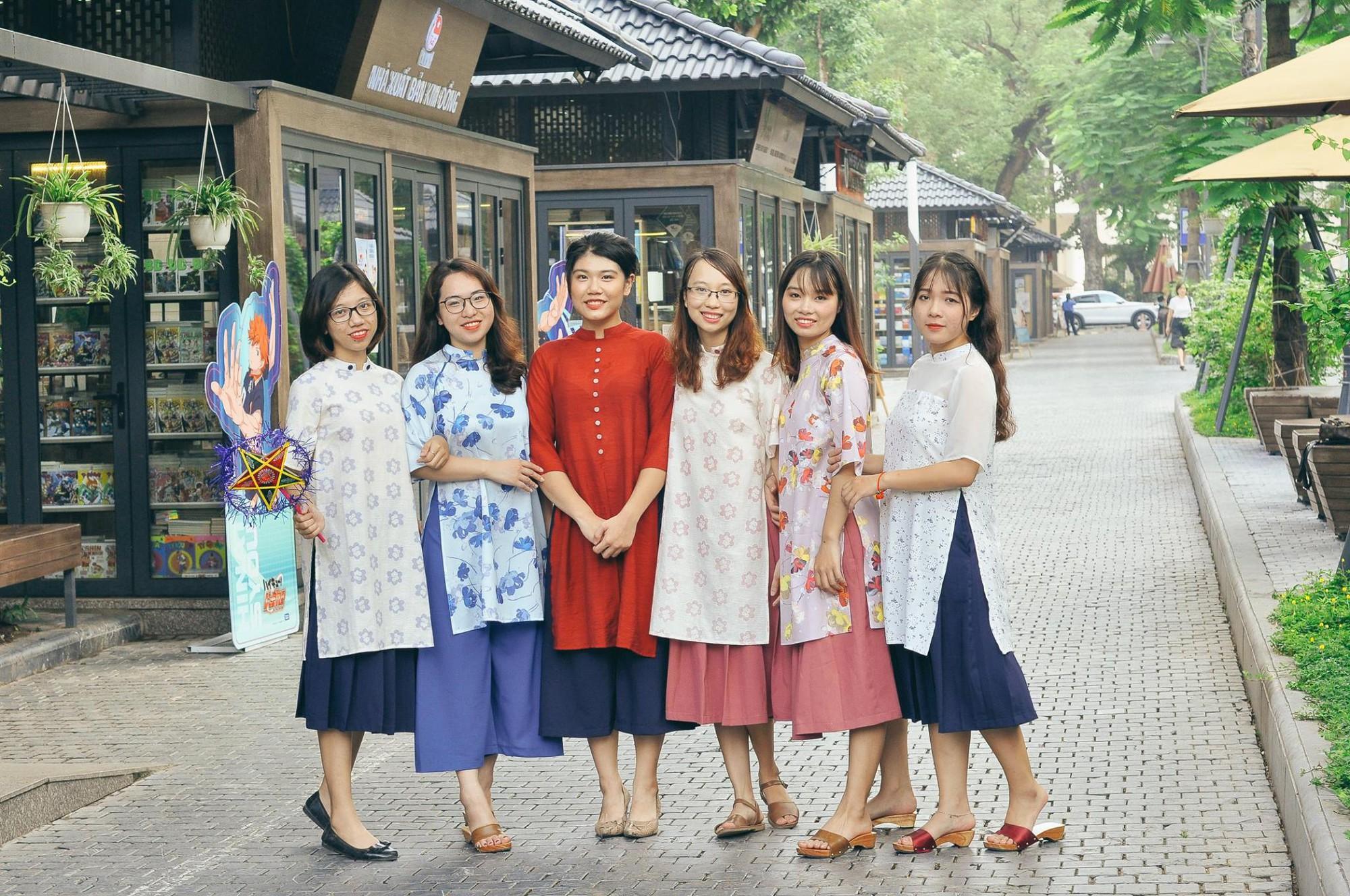 Năm 2017, nhờ phim Việt mà áo dài lên ngôi, được giới trẻ diện nhiều không thua kém các hot trend thời thượng - Ảnh 20.