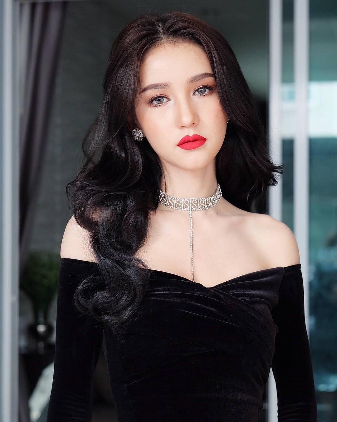 Có đối thủ nặng ký này của Thái Lan, cuộc đua vương miện của Hương Giang tại Hoa hậu Chuyển giới Quốc tế lại càng hấp dẫn! - Ảnh 5.
