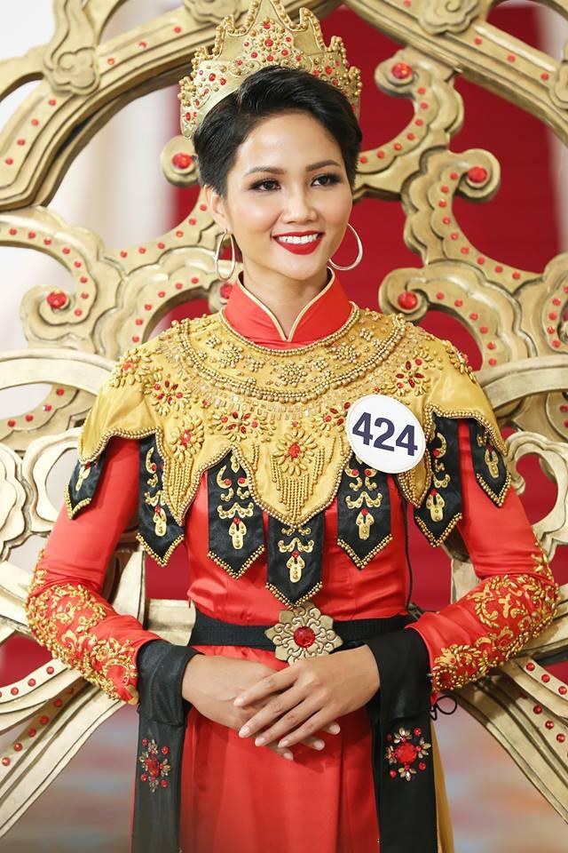 Nhan sắc và hành trình đến với vương miện của HHen Niê - Tân Hoa hậu Hoàn vũ Việt Nam 2017 - Ảnh 9.