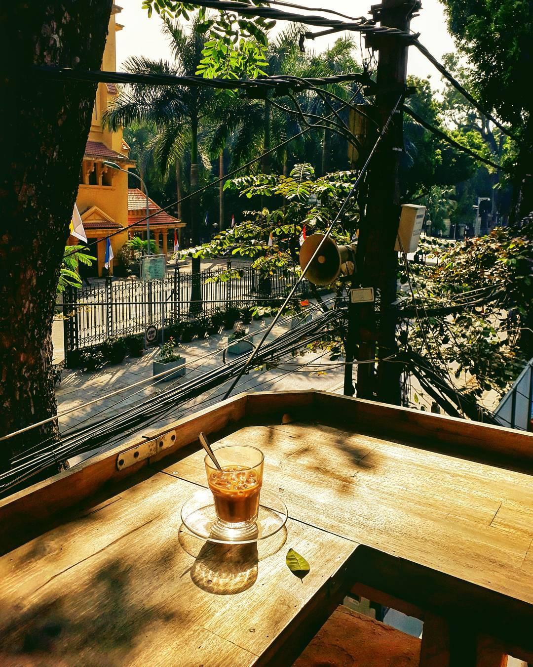 Tránh rét trong những ngày Hà Nội lạnh chết đi được ở 4 quán cafe rất xinh - Ảnh 10.