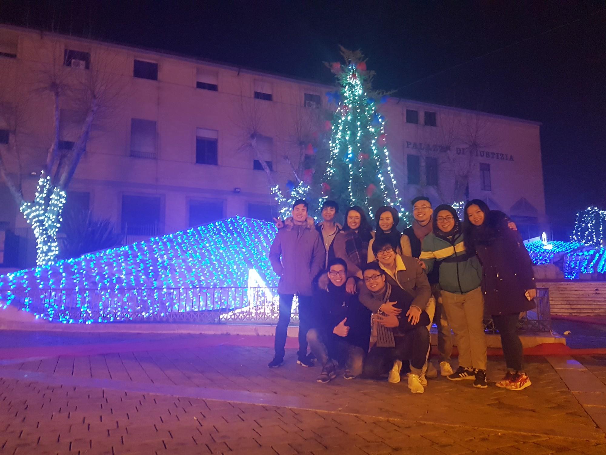 Du học sinh Việt hòa mình vào không khí chào năm mới khắp thế giới - Ảnh 16.