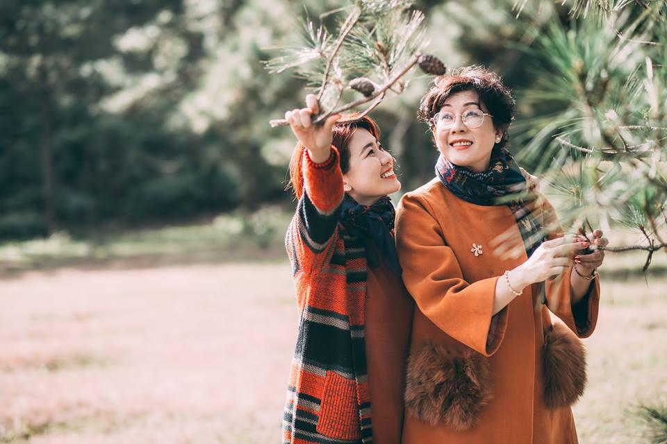 """Cần gì người yêu, đi Đà Lạt chụp ảnh """"couple"""" cùng mẹ cũng vui chẳng kém - Ảnh 4."""