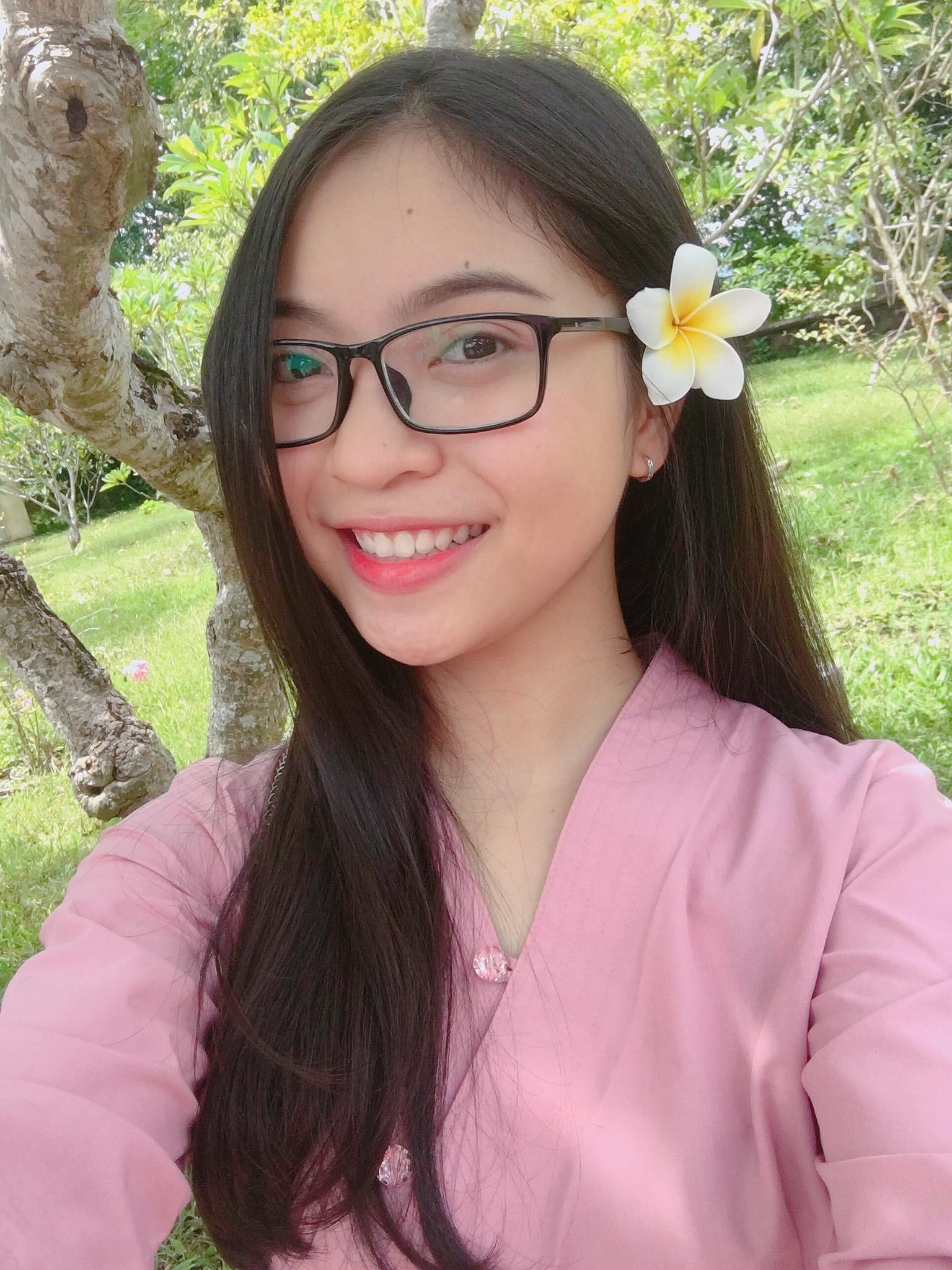 Tin không vui lắm với chị em: Quang Hải U23 Việt Nam đã có bạn gái xinh như hot girl! - Ảnh 8.