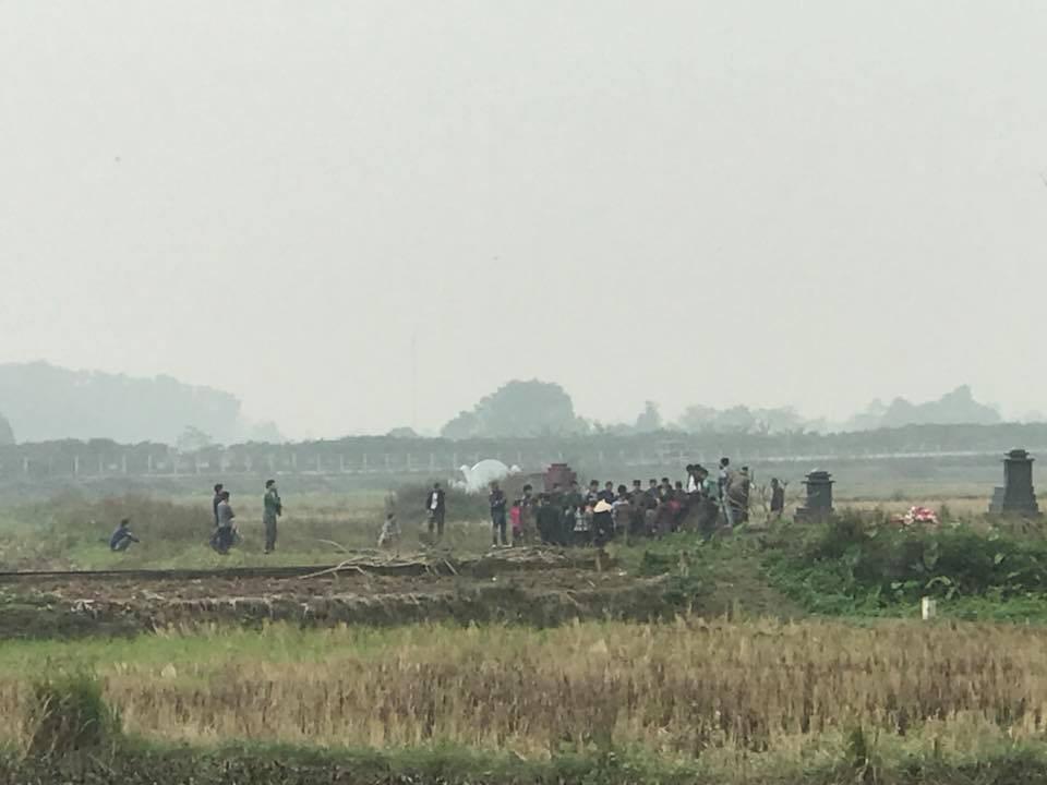 Người thân đau đớn tiễn đưa bé gái 2 tuổi tử vong trong vụ nổ kinh hoàng ở Bắc Ninh - Ảnh 5.