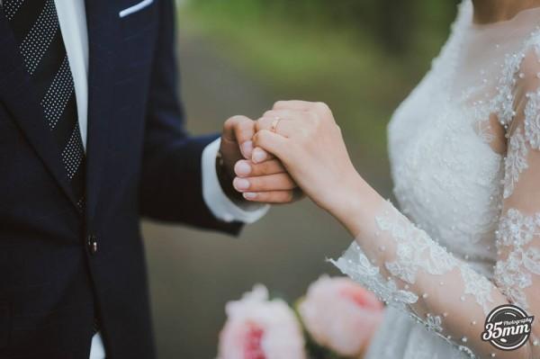 Lầy lội là vậy nhưng ảnh cưới của Nhật Anh Trắng lại lãng mạn vô cùng! - Ảnh 6.