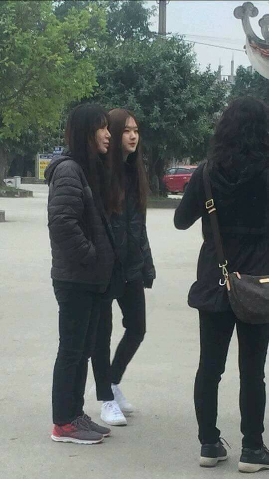 Phải xin gấp info cô gái xinh vừa bị chụp lén tại bến thuyền Tam Cốc, Ninh Bình - Ảnh 2.