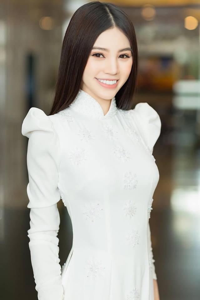 Tóc Tiên đòi hôn, Jolie Nguyễn
