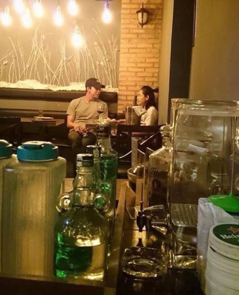Sau tin đồn hẹn hò, Chi Pu bị bắt gặp xuất hiện cùng mỹ nam Hàn Quốc Jin Ju Hyung? - Ảnh 1.