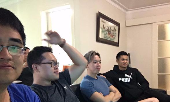 Tâm sự của du học sinh Úc xem bán kết U23 Việt Nam: Mừng muốn khóc mà không ra ngoài đường được, đành gọi về nhà chúc mừng bố mẹ - Ảnh 1.