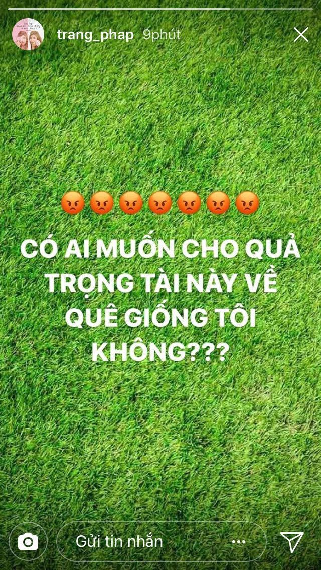 Bán kết U23 Việt Nam - U23 Qatar: Huyền My, Trang Pháp và loạt sao Việt bức xúc trước trọng tài người Singapore - Ảnh 3.