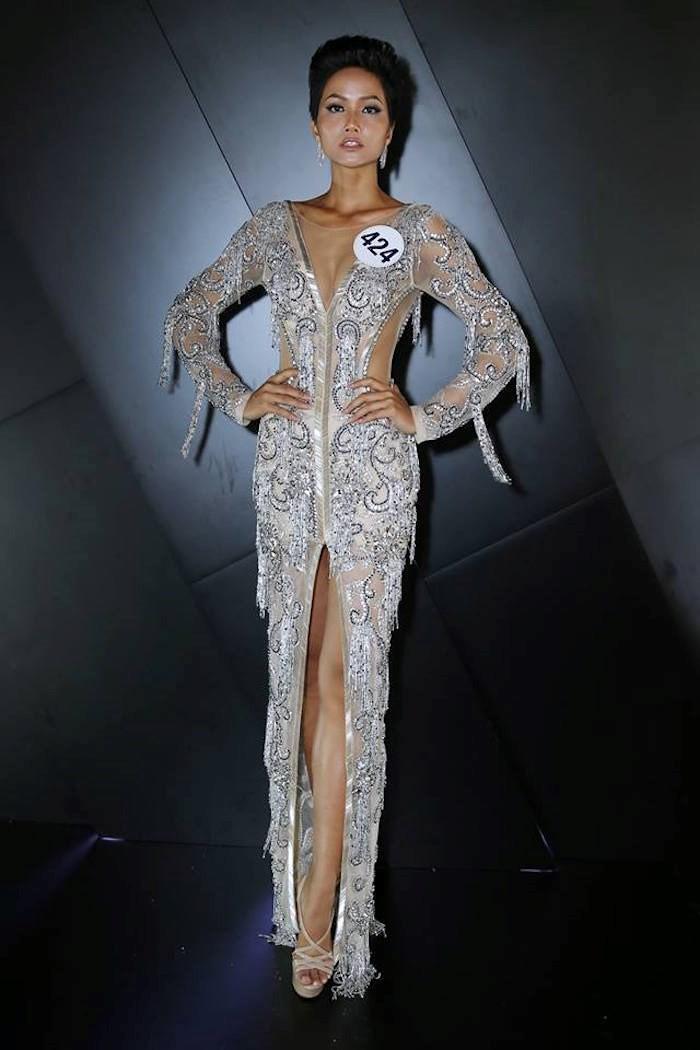 Nhan sắc và hành trình đến với vương miện của HHen Niê - Tân Hoa hậu Hoàn vũ Việt Nam 2017 - Ảnh 10.