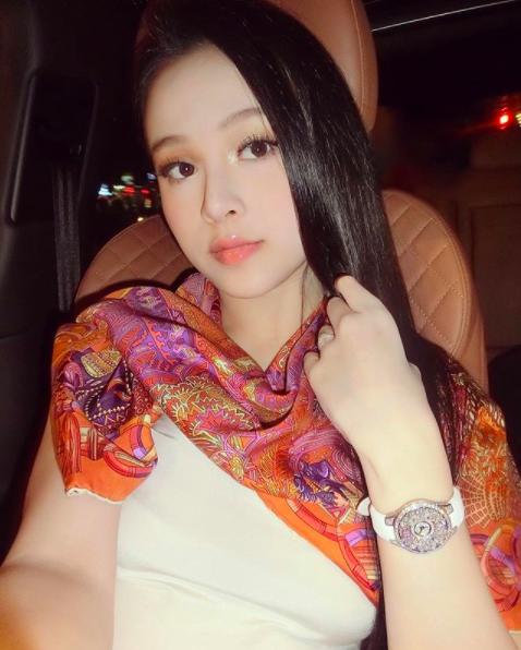 4 cô gái làm dâu nhà giàu nổi tiếng: Vừa xinh đẹp, tài năng và có cả may mắn! - Ảnh 13.