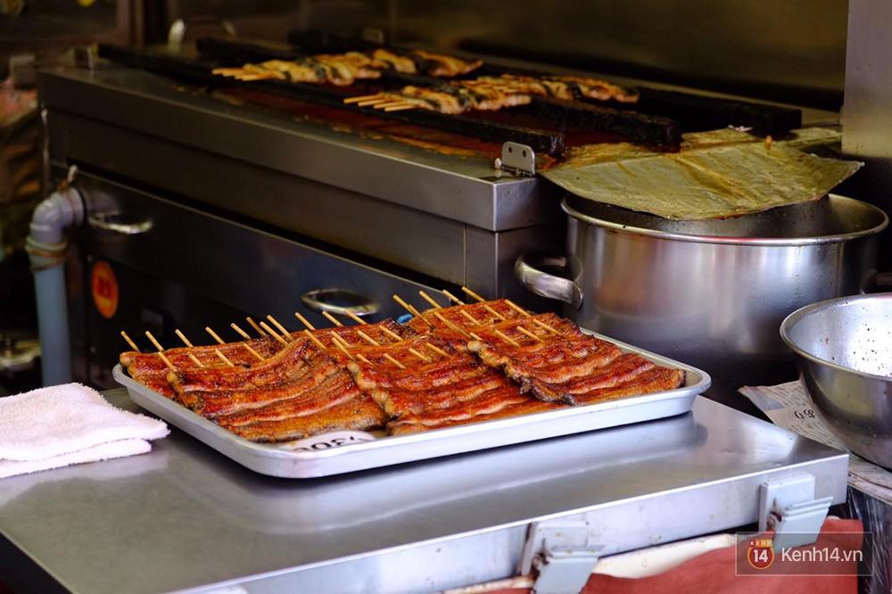 8 món đặc sản nên thử qua khi đến chợ cá Tsukiji nổi tiếng ở Nhật Bản - Ảnh 4.