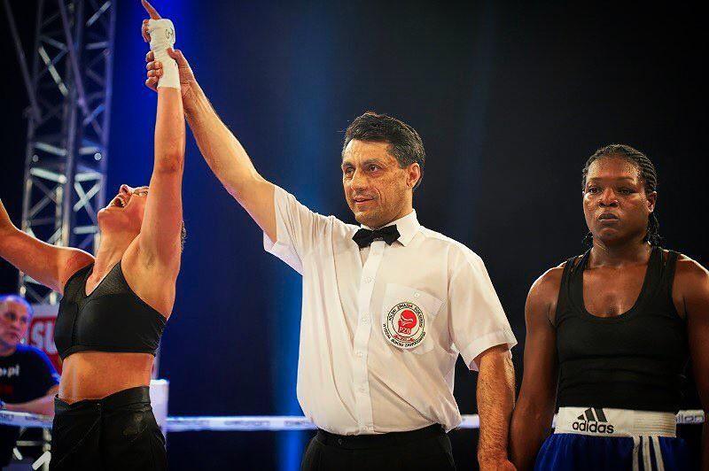 """""""Bông hồng gai"""" làng báo Ba Lan đo ván đối thủ chỉ sau 60 giây trên sàn MMA - Ảnh 6."""