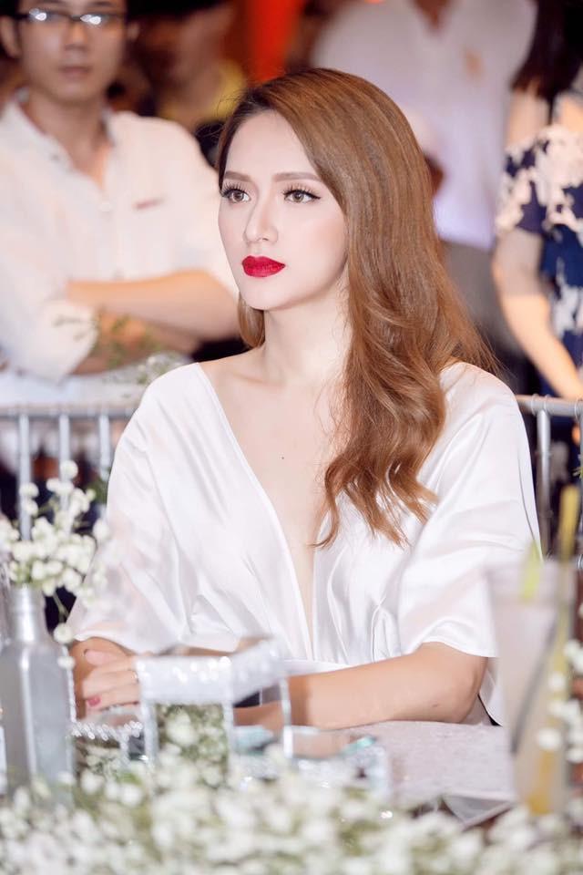 Hành trình thay đổi nhan sắc của Hương Giang Idol: từ cậu nhóc tóc ngắn đến đỉnh cao nhan sắc mà ai cũng muốn ngắm nhìn - Ảnh 14.