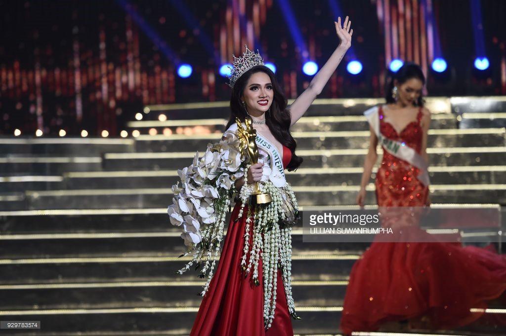DailyMail, AFP cùng loạt tờ báo lớn nhất thế giới đưa tin Hương Giang đăng quang Hoa hậu Chuyển giới Quốc tế 2018 - Ảnh 10.