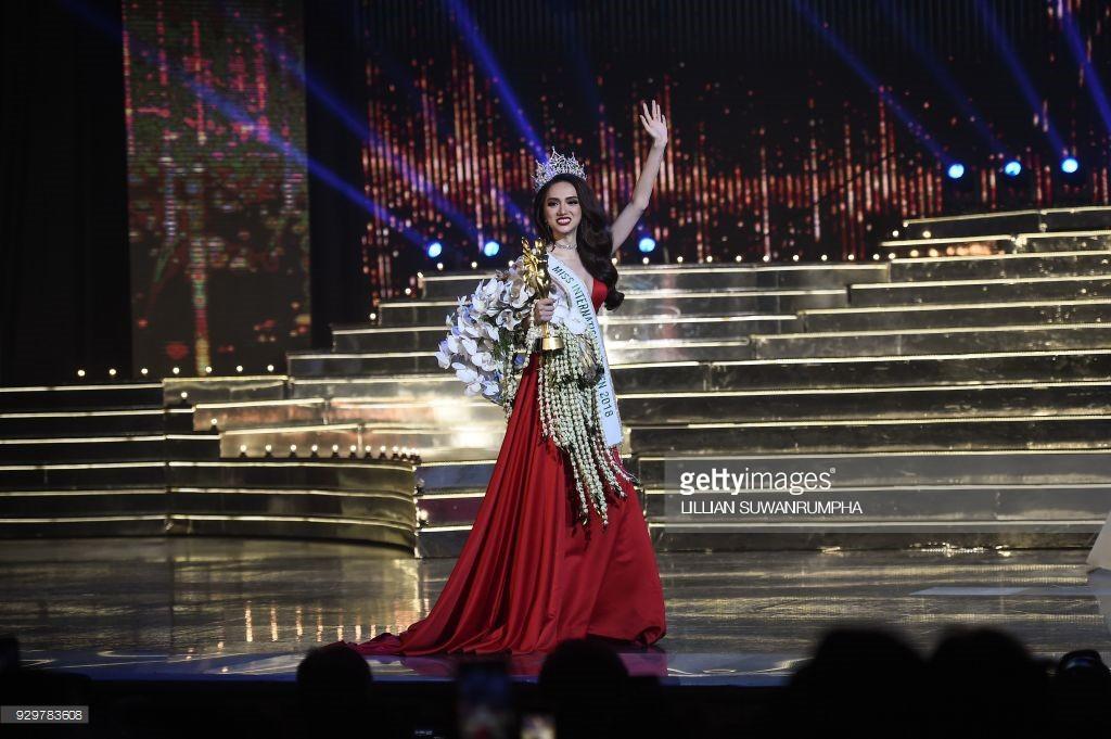 DailyMail, AFP cùng loạt tờ báo lớn nhất thế giới đưa tin Hương Giang đăng quang Hoa hậu Chuyển giới Quốc tế 2018 - Ảnh 11.