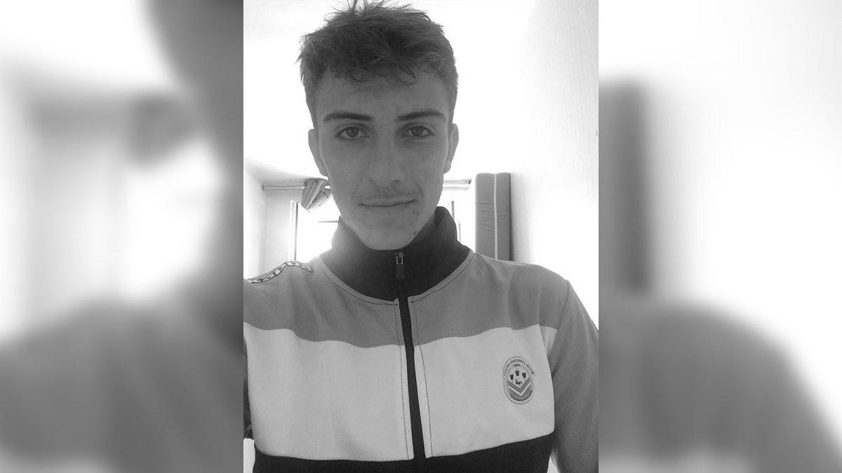 Cầu thủ 18 tuổi người Pháp đột ngột qua đời - Ảnh 1.